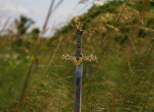 騎士道の象徴の騎士剣