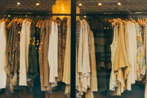 たくさんの服